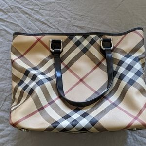 Burberry Bags - Burberry large tote